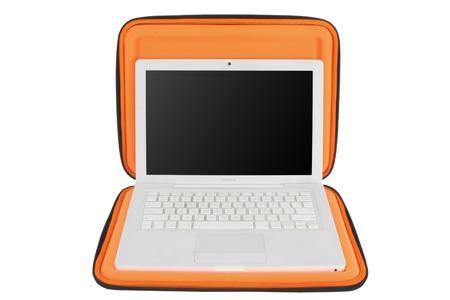 """Crumpler Hard Suit Special Edt.13"""" MacBook open"""