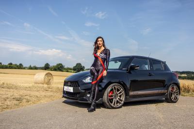 Barracuda Racing Wheels Europe: Kraftzwerg auf schicken Barracudas: Shoxx am Suzuki Swift Sport