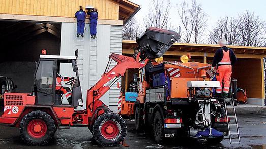 Beladung mit dem Radlader am Beispiel der Straßenmeisterei Lüdenscheid (Foto: Philipp Jung, Professur für Arbeitswissenschaft, TU Dresden)