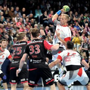 Handball: HC Erlangen unterliegt im Herzschlagfinale Melsungen / Jocki_Foto, Erlangen