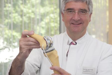 Prof. Dr. Joachim Grifka, Direktor der Orthopädischen Universitätsklinik in Bad Abbrach / Foto: obx-news