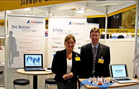 Anja Kottmann und Dirk Heuser vertreten den Bereich Verlagsdienstleistungen bei Jobware