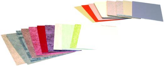 Die bewährten, handgefertigten Oberflächenmuster von Caparol sind aktualisiert und nach ihrer Anwendung produktbezogen in unterschiedliche Module für innen und außen sortiert