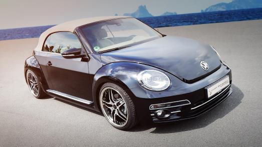 VW Beetle Cabriolet with Cor.Speed Vegas Wheels