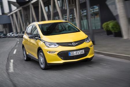 "Starker Stromer: Der neue Opel Ampera-e gewinnt den ""International Paul Pietsch Award"" für innovative Technik"