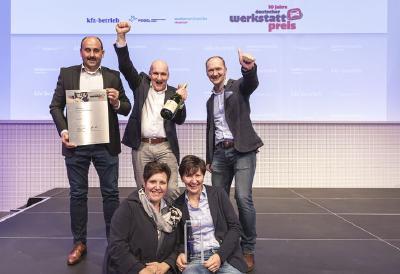 Das Team vom Autohaus Niedermeyer freut sich über den 1. Platz, (Foto: Stefan Bausewein)