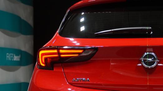 Liebe zum Detail: Der Heckspoiler und die C-Säule des neuen Opel Astra wurden aerodynamisch optimiert