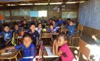 Indianerkinder in einer der fast 50 Schulen, die mithilfe der GKS in 25 Jahren entstanden sind