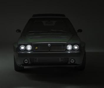 Der Automobili Amos Lancia Delta Futurista ist ein Kraftpaket. das verdeutlicht nicht zuletzt die auffällige rote Starttaste, versehen mit einem Raketensymbol