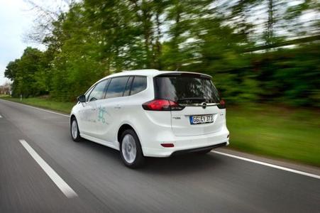 Makellose Umweltbilanz: Wenn der Opel Zafira Tourer unterwegs ist, fallen pro Sitzplatz durchschnittlich nur 18,4 Gramm CO2/km an