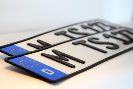 Halten für immer: die neuen 3-D-Kfz-Kennzeichen