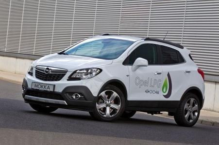 Der umweltfreundliche LPG-Mokka erfüllt zudem bereits heute die strengen Vorgaben der künftigen Euro-6-Abgasnorm. Niedrige Verbrauchs- und Emissionswerte – deshalb trägt der Mokka LPG genauso wie alle Autogas-Varianten von Opel den Beinamen ecoFLEX.