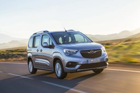 "Opel Combo Life Makes AUTOBEST ""Final 6"" / Opel Automobile GmbH"