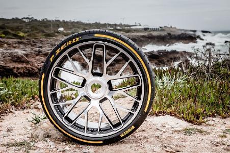 Der Pirelli P Zero gewann den Sommerreifentest des Fachmagazins evo