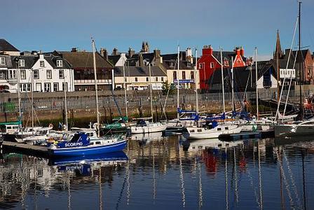 Großbritannien, Isle of Lewis, Hafen von Stornoway mit Royal Hotel