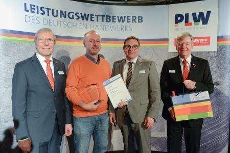 v.l.n.r.: Präsident Alois Jöst, Walter Seiler, die Vizepräsidenten Klaus Hofmann und Martin Sättele / Quelle: Thomas Rittelmann