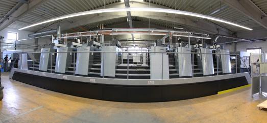Neben dieser Achtfarben-Offsetdruckmaschine wird die neue Speedmaster bei diedruckerei.de installiert. Hier werden ab August Druckprodukte für die Kunden aus 30 Ländern produziert (Copyright: diedruckerei.de)