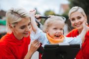 Julia und Nina Meise (34), Mädchen: Léa H. (6 Jahre), Eltern Steffen und Antje H. Foto: Esther Jansen Fotographie