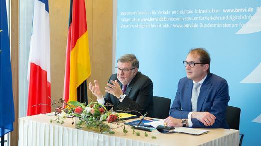 BM Dobrindt und Alain Vidalies unterzeichnen Vereinbarung zur Einrichtung eines deutsch-französischen Digitalen Testfelds