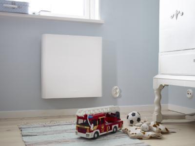 Ideal für Kinder- und Schlafzimmer: Der Luftreiniger TALL 155 von Wood´s schmiegt sich unauffällig an die Wand und braucht nicht mehr Strom als ein Radiowecker. Er ist in Deutschland exklusiv bei FAWAS erhältlich.  Foto: FAWAS/Wood´s