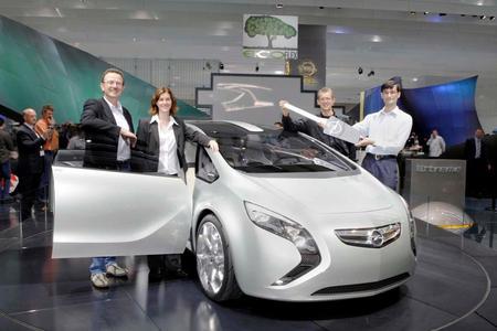 """Wie verbrauchsgünstig man mit einem CDTi-ECOTECMotor fahren kann, testeten über 10.000 Autofahrer im Rahmen der ecoFLEX-Tour unter dem Motto """"Opel sucht den Sparstar"""""""