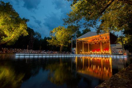Konzert im Park, Seebühne  Foto André Mey, weimar GmbH (4).jpg