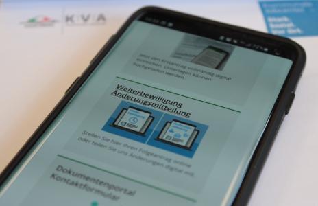Ab sofort können auch Weiterbewilligungsanträge und Änderungsmitteilungen digital eingereicht werden. Das Online-Portal bietet flexible Möglichkeiten bei der Antragsstellung / Foto: Vogelsbergkreis/C.Lips