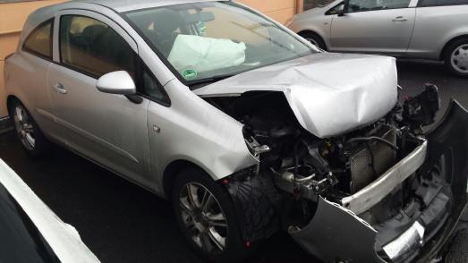 Unfallwagenhändler aus dem Ruhrgebiet kaufen jeden Unfallwagen