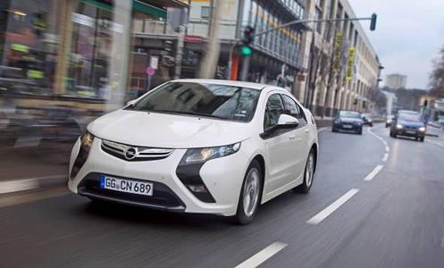 Opel Ampera: Elektroauto mit verlängerter Reichweite