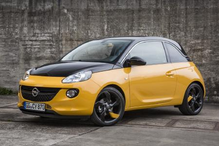 Opel ADAM BLACK JACK: Frischer Look: Der Opel ADAM BLACK JACK setzt einen messerscharfen Kontrast zwischen der schwarzen Maske und den andersfarbigen Partien