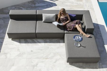Die letzten Sommertage mit flexiblen Gartenmöbeln im Freien genießen!