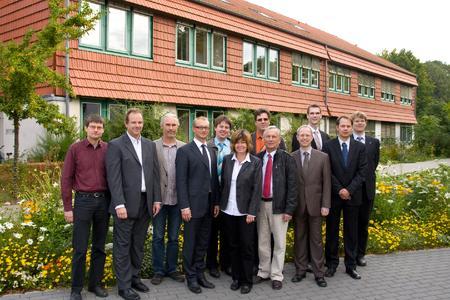 Ihre Forschungsthemen finden eine große Resonanz in Unternehmen: Die Mitglieder des Forschungsnetzes INDIN – mit dem Workshop-Leiter Prof. Michael Uelschen (2.v.r.) – planen deshalb einen weiteren Workshop im nächsten Jahr