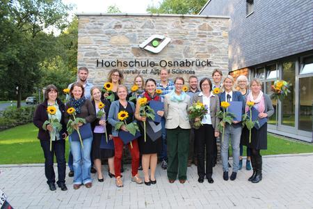 Dr. Marion Wulf, Leiterin Akademische Personalentwicklung (erste Reihe, 4. von rechts) mit den Teilnehmerinnen und Teilnehmern des 1. WIMHOS-Kurses