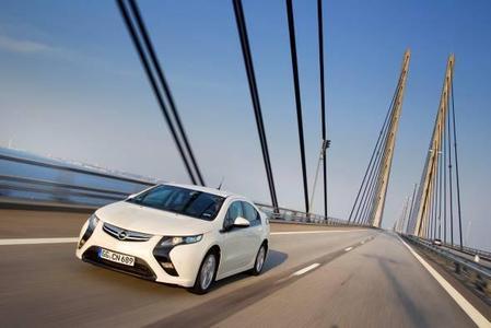 Der Opel Ampera, das Elektroauto mit verlängerter Reichweite, kommt im nächsten Jahr auf den Markt und wird eine  Vorreiterrolle bei der Elektrifizierung des Automobils spielen
