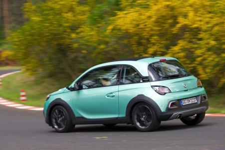 Ab auf die Piste: Im Opel Test Center Dudenhofen geht der neue Mini-Crossover ADAM ROCKS bis an die Belastungsgrenze