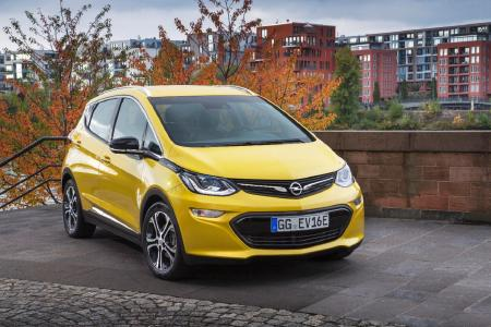 Electrifying: The new Opel Ampera-e is the range champion of the electric cars in its segment – it runs and runs and runs