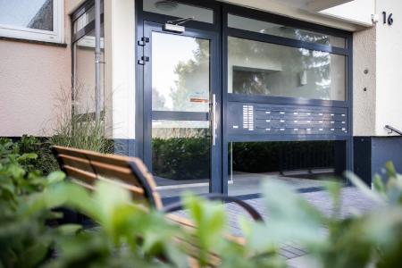 belvona hat erfolgreiche Monate hinter sich. Auch Bauministerin Ina Scharrenbach lobt die Investitionen des Wohnungsunternehmens.