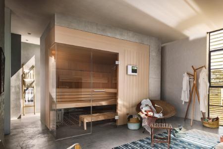 Mit regelmäßigen Auszeiten, kann man dem Stress des Alltags bewusst entgegen wirken. Am besten und einfachsten funktioniert es mit einer Sauna in den eigenen vier Wänden. Ob klein und platzsparend, perfekt für die Familie oder außergewöhnlich elegant - KLAFS bietet individuelle Saunalösungen für jeden Raum.