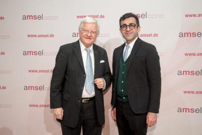 Laudator Prof. Dr. med. Klaus V. Toyka mit Sobek-Nachwuchspreisträger 2018 Prof. Dr. med. Aiden Haghikia