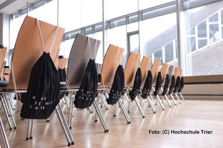 Informatik-Fernstudium für Quereinsteiger - Jetzt per Webmeeting informieren