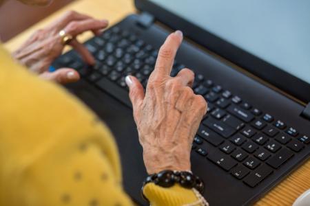 Senioren sollten auch ihren digitalen Nachlass regeln