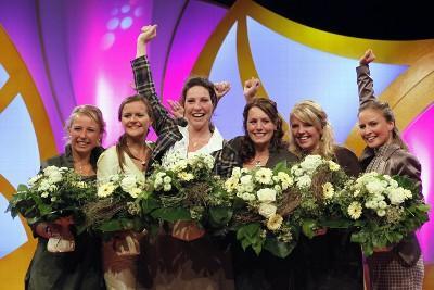 von links nach rechts: Elisabeth Born (Saale-Unstrut), Juliane Kremtz (Sachsen), Madeleine Rossel (Rheingau), Ramona Sturm (Mosel), Alina Bäcker (Ahr), Annika Strebel (Rheinhessen) (Bild: www.deutscheweine.de)