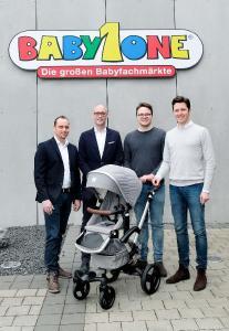 Der Bonavi Kinderwagen ist ab dem 6. April 2019 in allen 97 BabyOne-Filialen erhältlich. Copyright: BabyOne 2019