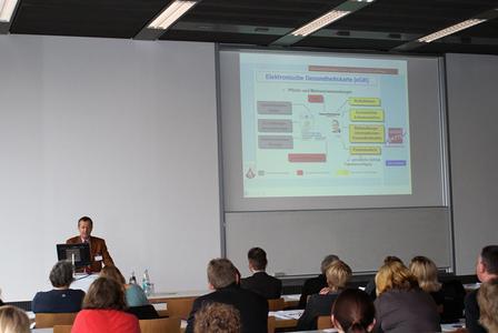 114_elektronische Gesundheitskarte_2: Dr. Faltin erläuterte die Bedeutung des elektronischen Gesundheitsberuferegisters