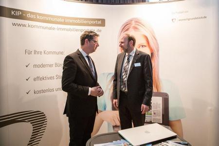 Der stellvertretende SPD-Vorsitzende Thorsten Schäfer-Gümbel informiert sich zu KIP | Bild: DEMO / Ines Meier