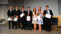 Die sieben landesbesten Schüler der adventistischen Tyrifjord Schule in Norwegen