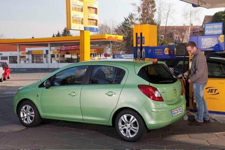 Opel bietet seine Autogas-Fahrzeuge ab April 2010 mit einem Preisvorteil von bis zu 1100 Euro an