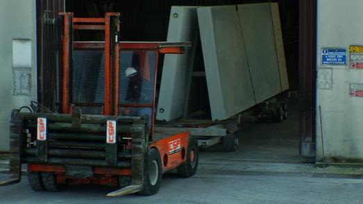 Zuverlässig und wirtschaftlich: CSP Prefabbricati transportiert tonnenschwere Bauteile mit dem ContiRT20 Performance