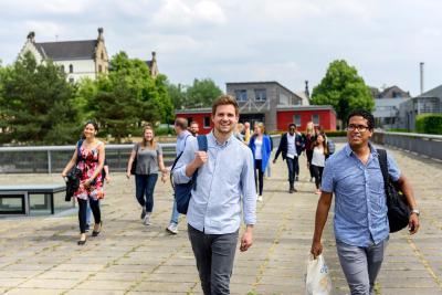 Studieninteressierte können sich noch bis zum 20. September für einige Bachelor-Studiengänge an der Hochschule Osnabrück bewerben