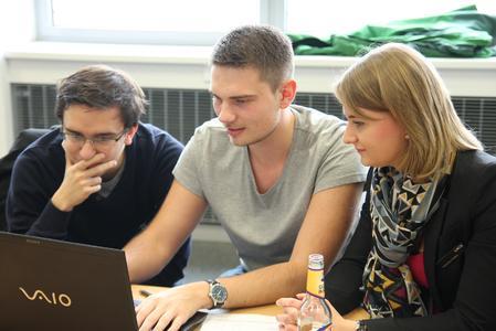 Neue Session, neuer Partner, neue Herausforderung, altes Problem – so lässt sich das Prinzip des Coderetreats zusammenfassen